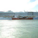 Mit der Aidanova ist in Barcelona, Europas größtem Kreuzfahrthafen, erstmals ein Kreuzfahrtschiff mit LNG (flüssigem Erdgas) betankt worden.