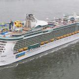 Royal Amplified: Nach einer kompletten Rundumerneuerung legt die Independence of the Seas von Royal Caribbean International das erste Mal in Hamburg an.