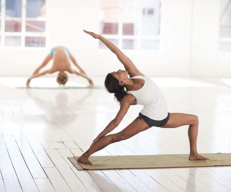 Ab Juni verstärkt Star Clippers nochmals das Angebot an Yoga-Reisen. An acht Terminen bieten international gefragte Lehrer tägliche Yoga-Stunden unter weißen Segeln an.
