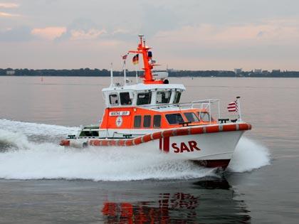Auf der MSC Preziosa hat es einen Notfall gegeben, bei dem die Seenotretter eingreifen mussten: Kurz vor der Einfahrt in den Hamburger Hafen musste der Kapitän des Kreuzfahrtschiffes einen Notruf absetzen. Eine Passagierin war wiederholt bewusstlos geworden