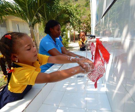 arnival Cruise Line (www.carnivalcruiseline.de) ist als erstes großes Kreuzfahrtunternehmen eine Partnerschaft mit einer Stiftung für Kindeswohl eingegangen. Die Stiftung Clean the World Foundation hat sich zum Ziel gesetzt, durch die Verbesserung der Hygiene-Verhältnisse