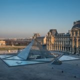Die französische Kreuzfahrtreederei und das weltberühmte Museum Louvre aus Paris haben sich zusammengeschlossen und zwei exklusive Kreuzfahrten aufgestellt.