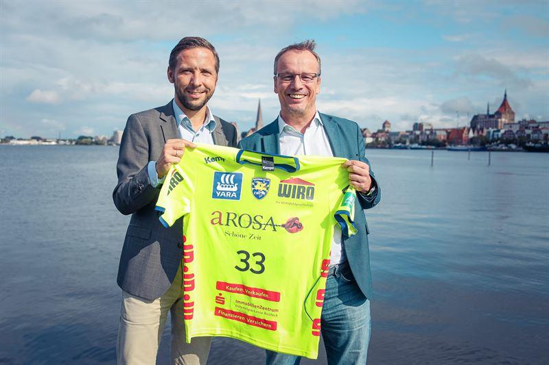 Die A-ROSA Flussschiff GmbH ist ab der nächsten Saison 2019/2020 neuer Premium-Sponsor des aktuell erfolgreichsten Handballvereins in Mecklenburg-Vorpommern. Das Unternehmen mit Firmensitz in Rostock wird unter anderem auf den Trikots des amtierenden Nord-Meisters und aller Nachwuchsteams für seine Flusskreuzfahrten werben.