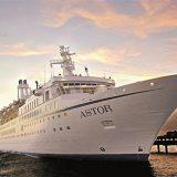 Am 15. Dezember sticht die MS Astor von Hamburg aus in See und geht auf Weltreise.Ab Hamburg/bis Bremerhaven 122 Nächte pro Person ab 13.990,- Euro.