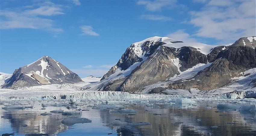 Ikarus Tours veröffentlicht die ersten Kataloge für das Jahr 2020/2021. Zahlreiche Arktis-Expeditionsreisen werden mit deutlichen Preissenkungen angeboten.