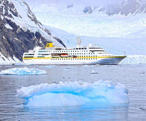 Die längste Reise, die Plantours Kreuzfahrten je aufgelegt hat: 284 Tage dauert die Kreuzfahrt mit der MS Hamburg vom 2. August 2020 bis zum 12. Mai 2021