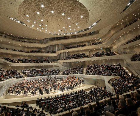 """Die MSC Foundation veranstaltet am 8. November 2019 die exklusive Spendengala """"Lebensraum Elbe"""" in der Elbphilharmonie Hamburg. Tickets für das Charity-Konzert sind ab sofort erhältlich."""