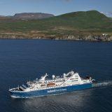 Der Island- und Grönlandspezialist Iceland ProCruises bietet im Sommerkatalog 2020 erstmals eine rein deutschsprachige Kreuzfahrt mit Cruise Leader Peter von Sassen an.