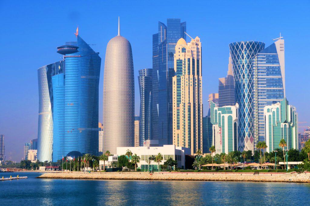 Katar wird für die Fußball-WM 2022 die MSC Europa und die MSC Poesia der Reederei MSC Cruises als Hotelschiffe mit 3700 Kabinen unter Vertrag nehmen