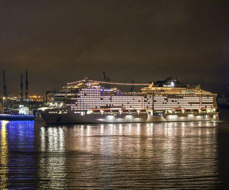 Die MSC Grandiosa wird am 9. November in Hamburg im Licht der Blue Nights getauft, das größte Taufspektakel, das MSC Cruises je veranstaltet hat.