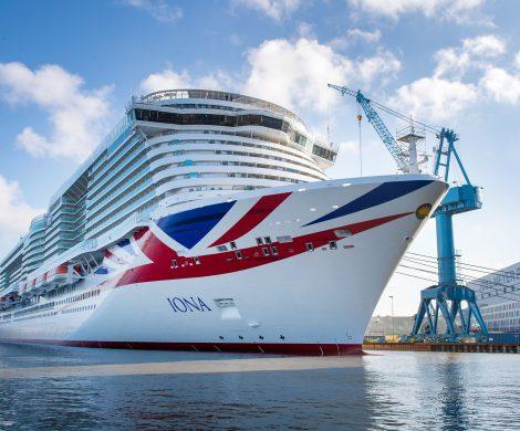 Das neueste Kreuzfahrtschiff der MEYER WERFT, die Iona, wird am Mittwoch, den 18. März 2020 auf der Ems nach Eemshaven (Niederlande) überführt.