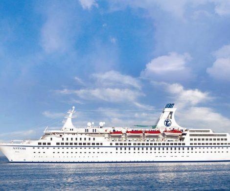 Die meisten Kreuzfahrtschiffe sind mittlerweile im Häfen, aber noch sind 11 Schiffe mit Passagieren an Bord auf dem Weg in Häfen, die sie anlaufen können.