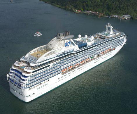 Nach langer Irrfahrt hat die Coral Princess jetzt mit zwei Toten und zwölf Corona-Infizierten an Bord im Hafen von Miami angelegt.
