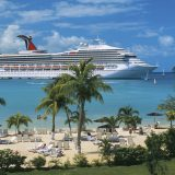 Achtzehn Schiffe von Carnival haben sich auf den Bahamas getroffen, um mehr als 10.000 Crewmitglieder nachhause in ihre Heimatländer zu bringen.