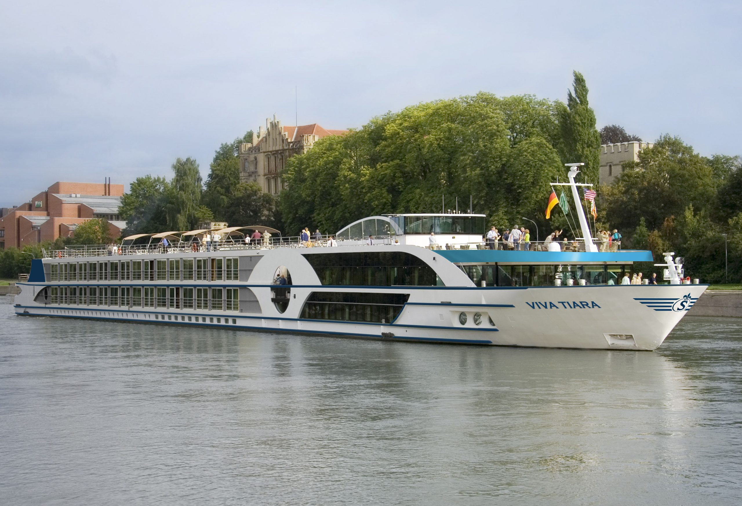 Viva Cruises passt sein Angebot an die Reisebeschränkungen durch die Corona-Pandemie an und bietet jetzt mehr Deutschlandreisen an.