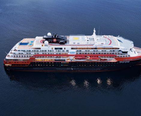 Ab 26. Juni startet Hurtigruten mit Norwegen-Kreuzfahrten ab Hamburg. Die Fridtjof Nansen unternimmt dann bis zum 4. September sechs 15-tägige Kreuzfahrten