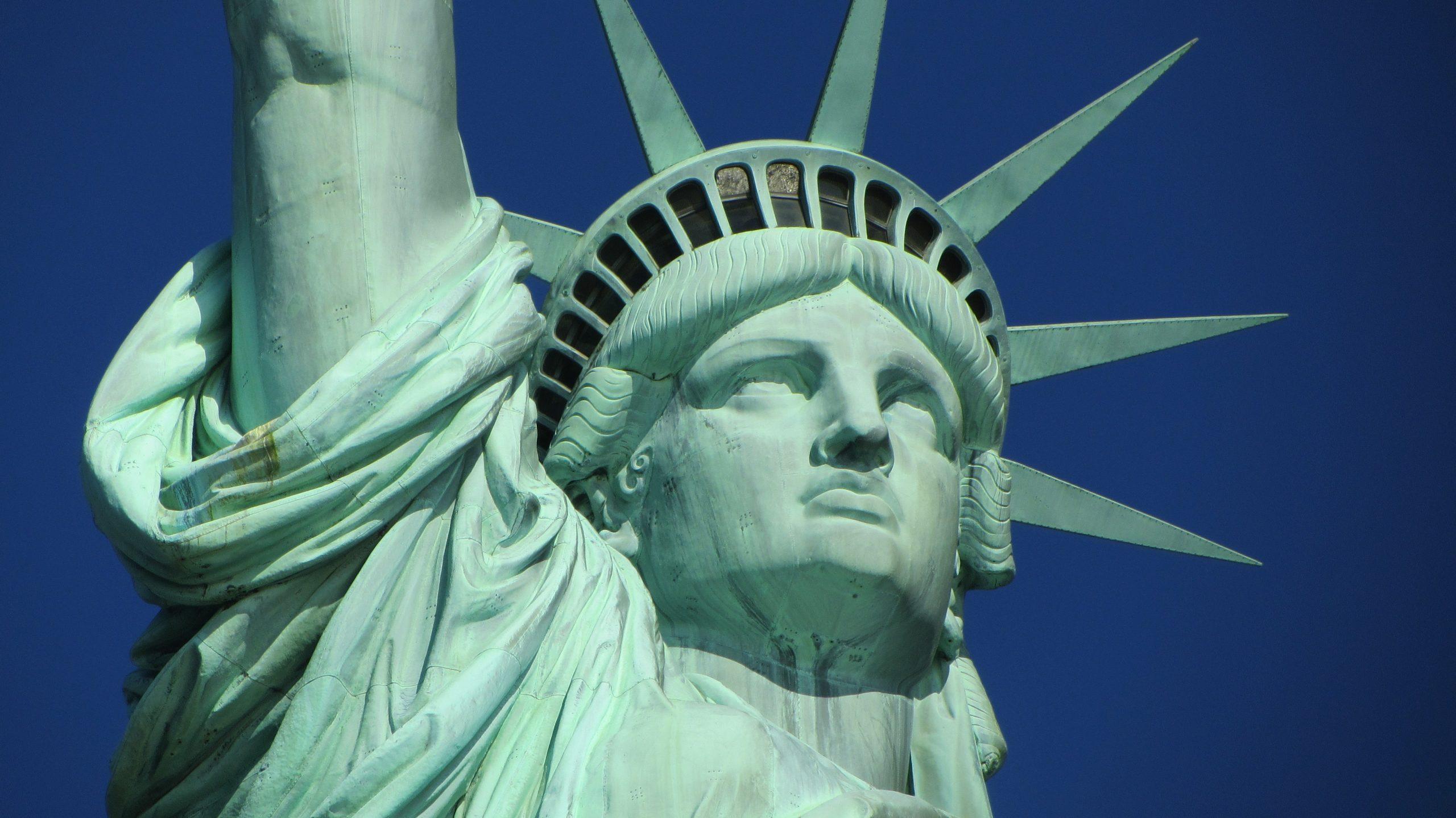 Die US-Kreuzfahrtreedereien haben sich darauf geeinigt, den Betrieb von US-Häfen aus bis zum 15. September ruhen zu lassen.