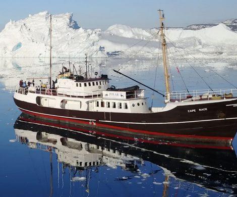 Das mare-Schiff MS Cape Race fährt wieder mit Passagieren um Spitzbergen . Gäste analysieren auch Wasserproben untersuchen Planktonproben