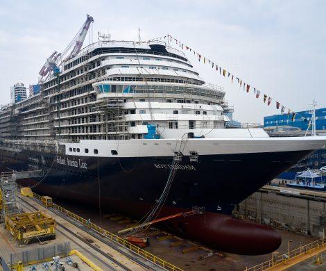 Das neue Kreuzfahrtschiff Rotterdam, welches der italienische Werftenkonzern Fincantieri für Holland America Line (HAL) baut, ist auf der Werft in Marghera bei Venedig vorgestellt worden.