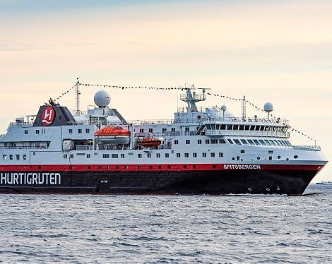 Hurtigruten hat elf neue Expeditionsreisen aufgelegt: MS Maud und MS Spitsbergen nehmen 2022 Kurs auf Britische & Schottische Inseln