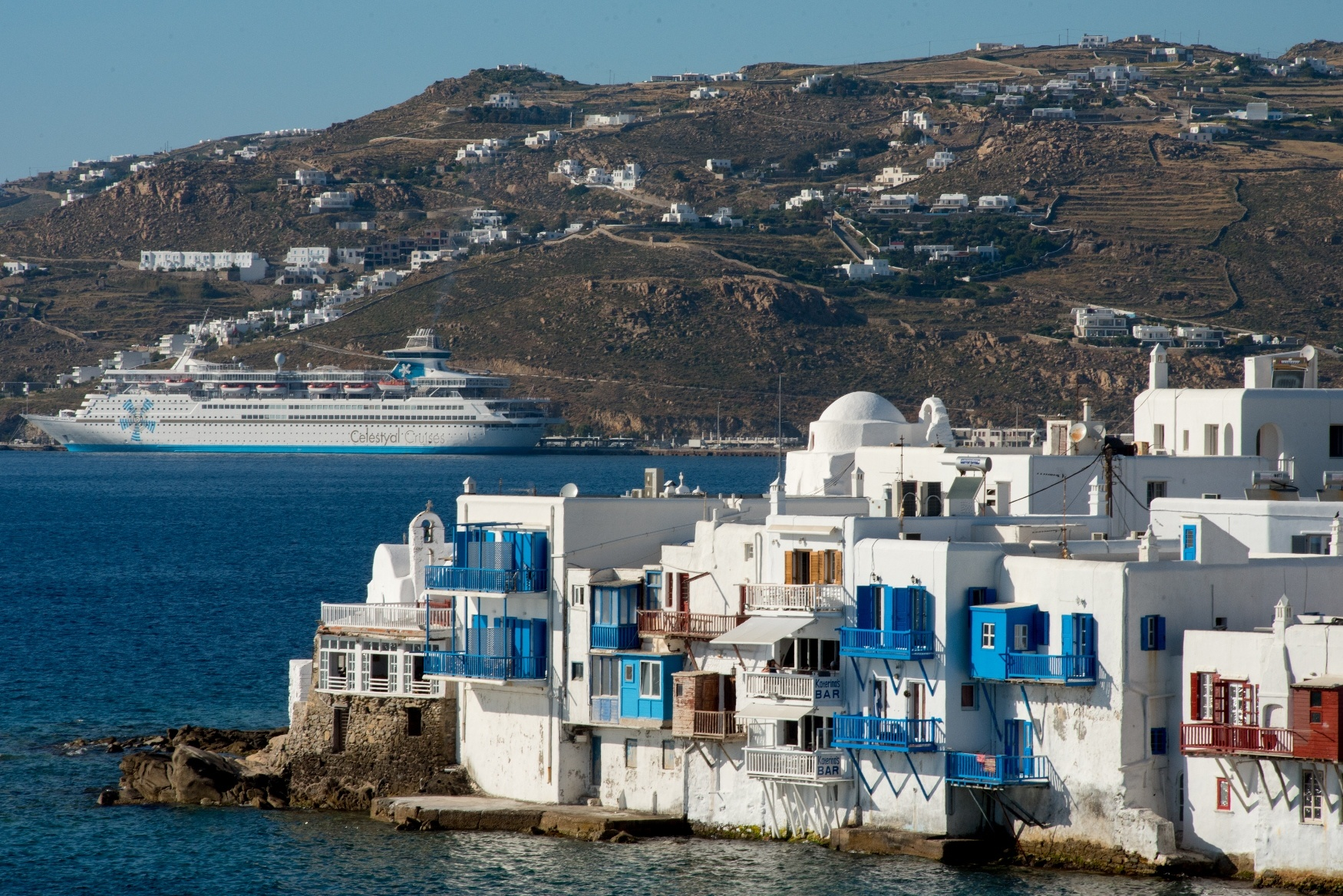 Celestyal Cruises bietet Frühbucherpreise für insgesamt sieben Kreuzfahrten zu den griechischen Inseln und durch das östliche Mittelmeer in den Jahren 2021 und 2022.