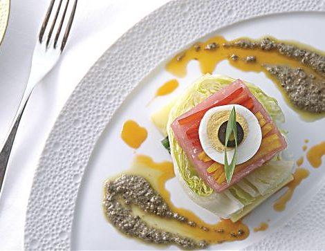 Regent Seven Seas Cruises hat neue, exklusive Themenreisen ins Programm aufgenommen für Gourmets, Weinliebhaber & Broadway-Fans