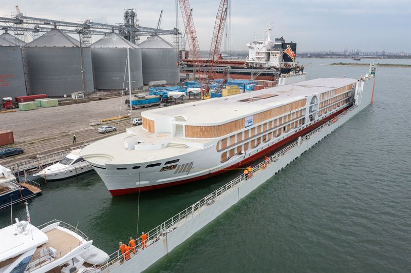 Der Stahlbau der A-ROSA E-Motion ist auf der rumänischen Severnav-Werft fertig geworden. Das Schiff fährt in die Niederlande zum Innenausbau
