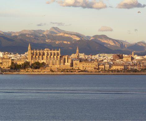 Mein Schiff 2 startet ab dem 17. Juni ins westliche Mittelmeer: Ab/bis Palma de Mallorca geht es auf zwei unterschiedliche 7-tägigen Routen