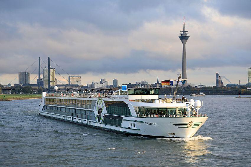 Drei Crewmitglieder wurden bei einem Brand im Motorraum der Inspire von Viva Cruises verletzt, die rund 90 Passagiere blieben unbehelligt.