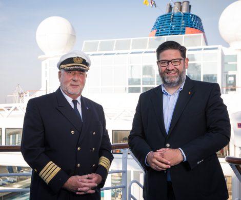 Kapitän Andreas Greulich übernimmt ab sofort die Brücke der MS EUROPA, Greulich war zuvor auf Mein Schiff & der MS Deutschland