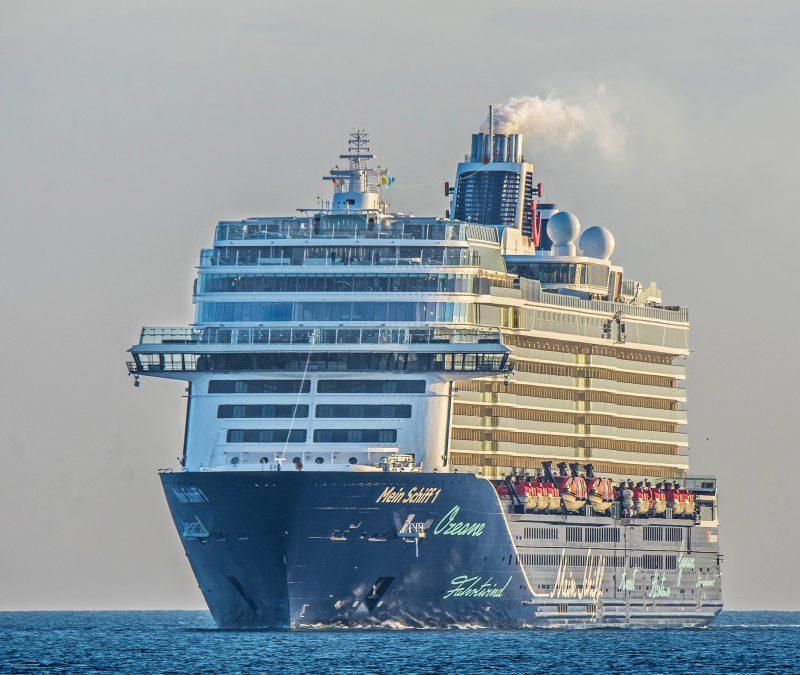 Vom 5. bis 12. Dezember fährt die Mein Schiff 1 von Bremerhaven aus auf Weihnachtsmärkte nach Warnemünde, Kopenhagen, Oslo und Kristiansand.