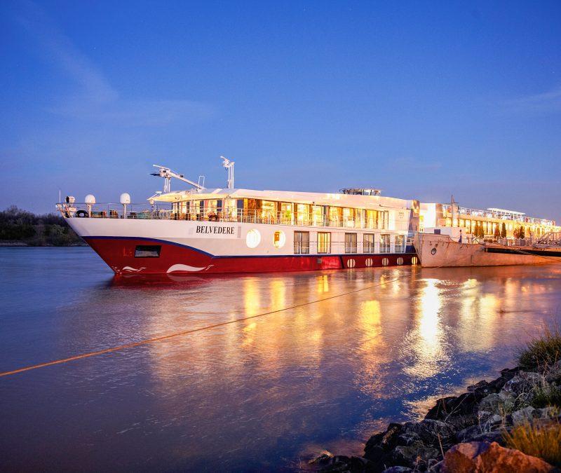 Fluss-Katalog von nicko cruises: von Advent bis Neujahr an 30 Terminen mit fünf Schiffen auf zehn verschiedenen Routen unterwegs